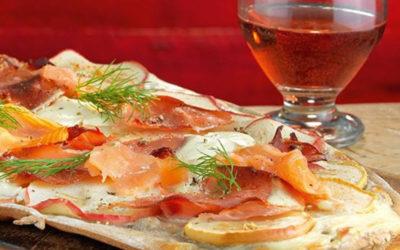 Rezept der Woche: Apfel-Flammkuchen mit Schinken und Lachs