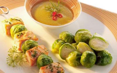 Rezept der Woche: Gremolata-Lachs-Spieße mit Rosenkohl